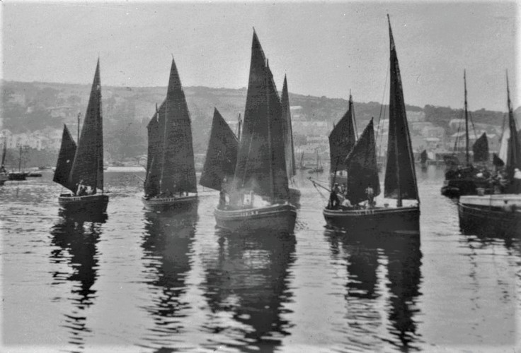 Newlyn Luggers at work, Newlyn Harbour. c1900 (Morrab Library)